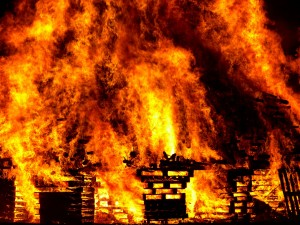 Fuego en almacanamiento